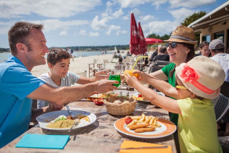 Restaurant-plage-de-Kerleve